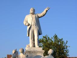 Statue à Carmaux (Estatua de Jaurés a Caramauç)