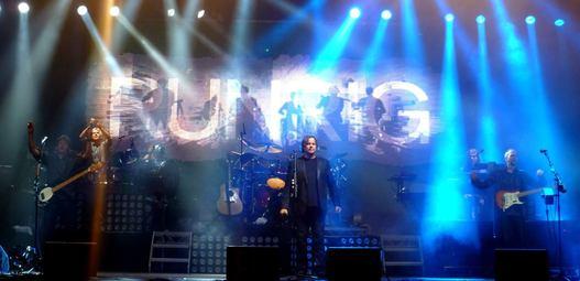 174149runrig_concert,_inverness,_aug_2012.jpg